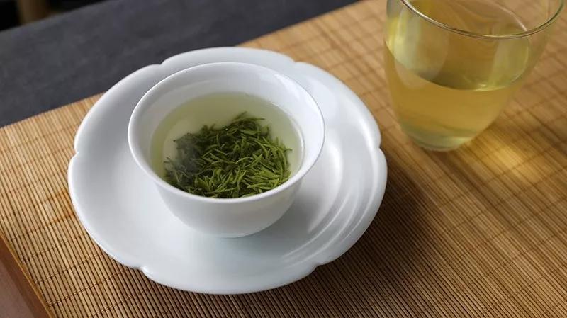 信阳毛尖茶汤